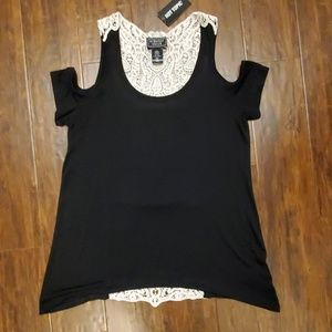 New Hot Topic lace back skull top